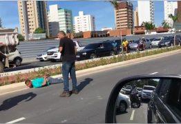 Perseguição policial acaba após acidente e duas faixas da Avenida Beira Rio são interditadas: VEJA VÍDEO