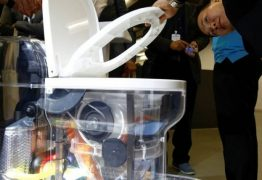 ECOLÓGICO: Bill Gates apresenta privada que não usa água e transforma fezes em fertilizante