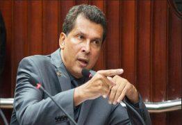 Ricardo Barbosa pede que sessão seja interrompida
