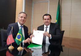 VEJA VÍDEOS: Em Brasília, Aguinaldo Ribeiro consegue liberação de R$ 65 milhões para recuperação da barreira do Cabo Branco