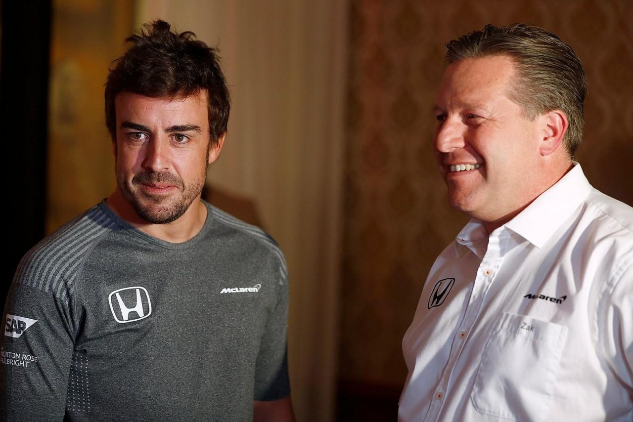 fernando alonso - Mesmo fora da Fórmula 1 Fernando Alonso mantém contrato firmado com a McLaren