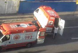Casal morre e grávida fica ferida após moto colidir com ônibus