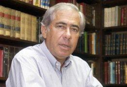 Sigmaringa Seixas é homenageado por autoridades durante velório em Brasília