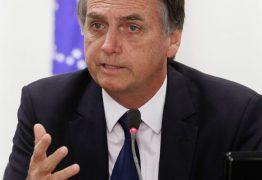 Presidente embarca para Davos em meio a conflito no PSL e com filho investigado