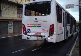 COLISÃO: Passageiras ficam feridas em acidente entre ônibus em João Pessoa
