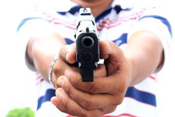 arma de fogo 360x240 - Homem é baleado na cabeça após briga de bar em Santa Rita