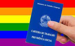 Evento oferece serviços de saúde e de inclusão social para população LGBT+, em João Pessoa