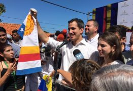 Nicolás Maduro decreta prisão de líder oposicionista após parlamentar se declarar presidente da Venezuela