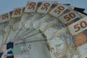 notas real 50 2 de 1 4 300x200 - Mercado financeiro prevê inflação em 4,02% neste ano