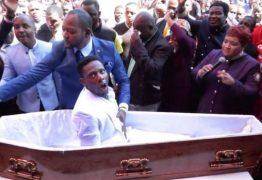 Funerárias processam pastor acusado de simular ressurreição: VEJA VÍDEO