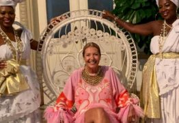 Diretora da Vogue Brasil é criticada por festa com temática racista