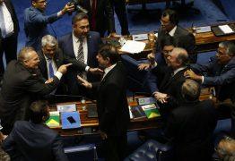 Renan e Tasso batem boca durante votação no senado: 'você é um ladrão'