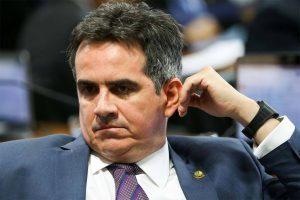 """ciro nogueira2709 300x200 - Atraso de Ciro Nogueira dá tempo para alto escalão do governo """"conspirar"""" contra senador e aconselhar Bolsonaro; Entenda"""