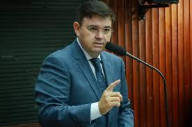 download 9 - 'Eu vejo a CPI como um complemento', afirma líder da oposição Raniery Paulino