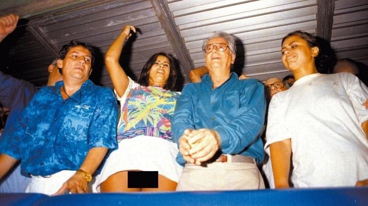 lilian ramos apareceu sem calcinha ao lado do entao presidente itamar franco 1548345361311 v2 750x421 - 'Fui julgada sem direito a defesa', diz Lilian Ramos, 25 anos após polêmica