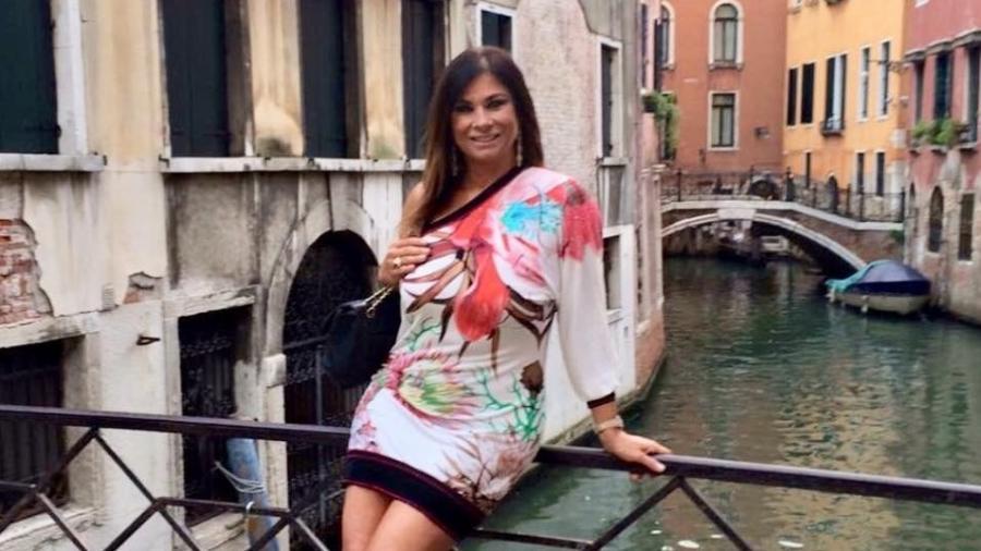 lilian se refugiou na italia depois do flagra sem calcinha ao lado do entao presidente itamar franco em um dos camarotes da sapucai 1550171535031 v2 900x506 - 'Fui julgada sem direito a defesa', diz Lilian Ramos, 25 anos após polêmica