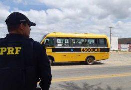 NA PARAÍBA: ônibus escolar é apreendido pela PRF após levar adultos a enterro