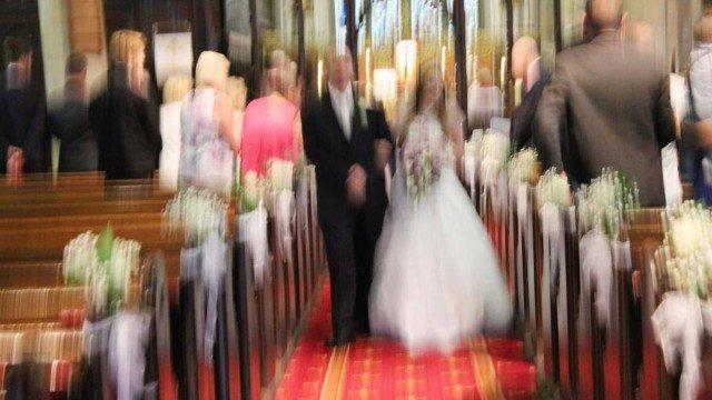 xblog wedding.jpg.pagespeed.ic .N761F eUdL - Fotógrafos são ameaçados de morte após desastrosas fotos de casamentos