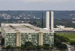 Governo federal extingue 21 mil cargos comissionados e gratificações