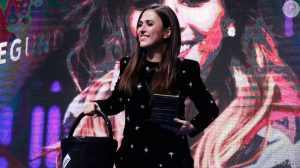 2982836 gravida tata werneck levou um balde est 950x0 2 300x168 - Grávida, Tatá Werneck leva balde 'Chanel' a prêmio e se compara a Kate Middleton