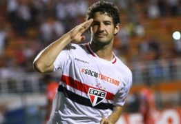 São Paulo dá chapéu nos rivais e anuncia Alexandre Pato