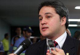 'OU MUDA OU SERÁ DERROTADA': líder da bancada federal paraibana se queixa de proposta que endurece regras da aposentadoria rural