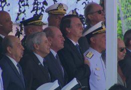 Democracia e liberdade só existem se as Forças Armadas quiserem, diz Bolsonaro