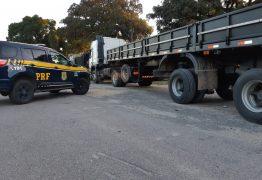 PRF apreende carreta roubada e recupera carga de R$ 200 mil na PB; VEJA VÍDEO