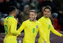 Brasil vence a República Tcheca antes de convocação para a Copa América