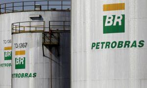 2019 04 16t224456z 123742583 rc1410441db0 rtrmadp 3 petrobras pricing 300x180 - Petrobras aumenta preço da gasolina em 3,5% nas refinarias a partir de terça