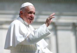 Papa doa US$ 500 mil a migrantes na fronteira do México com os EUA