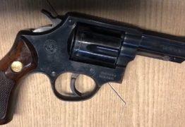 Grupo de torcedores é detido com arma após jogo em João Pessoa