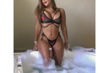 geisy 360x240 - Geisy Arruda posa com lingerie transparente e leva seguidores à loucura