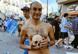 'SÍMBOLO DA CONQUISTA':Torcedor desenterra crânio do avô para comemorar título do time – VEJA VÍDEO