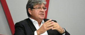 joão 1 e1555495724730 300x124 - João Azevêdo anuncia promoções, entrega ônibus e presta homenagens à Polícia Civil da PB