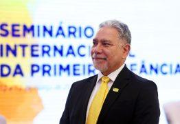 Secretário de Esporte foi demitido após chamar Feliciano de 'idiota'