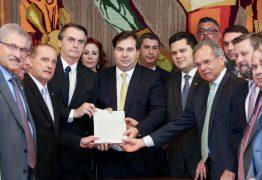 Governo Bolsonaro oferece R$ 40 milhões a cada deputado para comprar voto pró-reforma