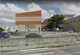 CHUVAS: Árvore cai no estacionamento do Hospital Napoleão Laureano, em João Pessoa