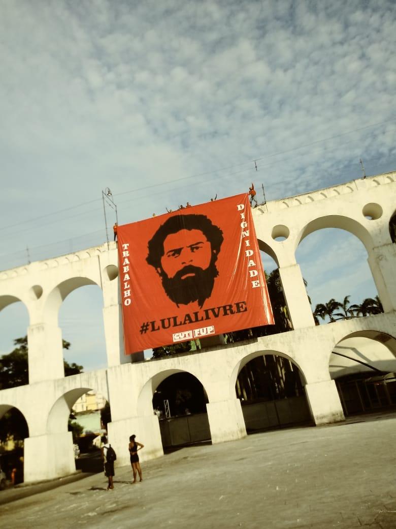 lula arcos da lapa - Arcos da Lapa amanhecem com faixa de Lula Livre