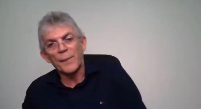 """ricardo coutinho - """"PROVAREI MINHA INOCÊNCIA"""": Em nota, RC afirma que voltará para o Brasil para se apresentar à justiça"""