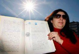 TOMOU POSSE: mulher afirma ser dona do sol e quer cobrar pelo seu uso