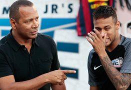 AGRESSÃO: Pai de Neymar arranca câmera de fotógrafo em aeroporto, diz agência