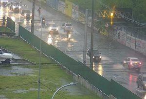 WhatsApp Image 2019 06 13 at 08.55.25 1 300x205 - TRANSTORNOS: chuvas intensas provocam alagamentos em bairros de João Pessoa - Veja Fotos
