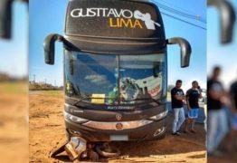Ônibus com integrantes da equipe de Gustavo Lima se envolve em acidente