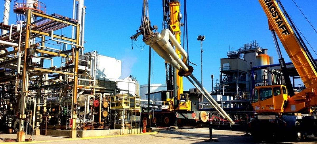 oil rig 514035 1920 min 1200x545 c - QUEDA: Prévia do PIB cai 0,47% em abril, segundo Banco Central