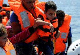SOCORRO: Onze pessoas são resgatadas de barco que apresentava risco de naufrágio na Paraíba