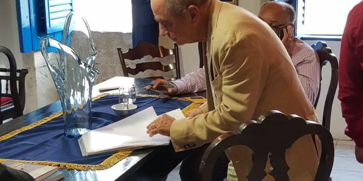 roberto apl 2 750x375 - Roberto Cavalcanti é parabenizado na Câmara dos Deputados por ter sido eleito o novo imortal na Academia Paraibana de Letras