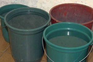 1 balde 11900860 300x201 - TRAGÉDIA: criança de apenas um ano morre afogada após cair em balde