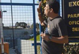 PROFECIA: Pastor unge cadeado da PF e afirma que Lula será solto em um mês; VEJA VÍDEO