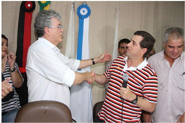GERVASISO - PERGUNTAR NÃO OFENDE: Gervásio Maia aceitaria postular a vice em uma eventual chapa com Ricardo Coutinho na disputa pela PMJP?